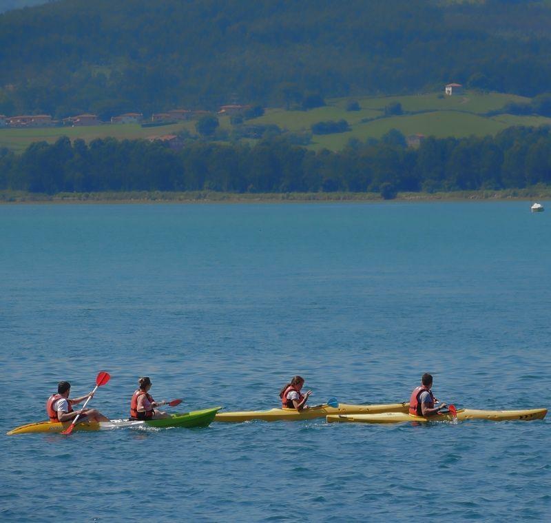 Canoas ruta por la reserva de Victoria y Joyel