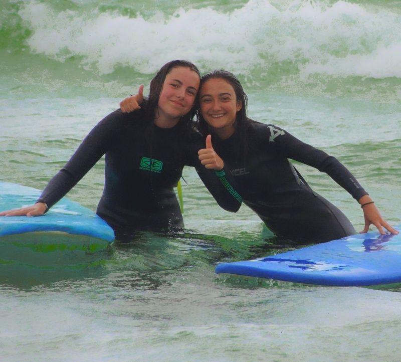 Ven a hacer surf con tu centro educativo