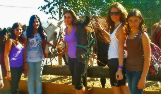 Paseos a caballo en verano para jóvenes y adolescentes