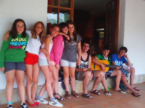 grupo en el campus de verano