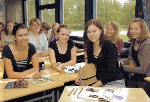 jovenes en el campus de verano