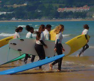 actividad de surf viaje fin de curso