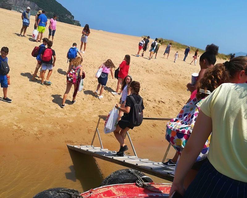 Playa y montaña en las vistas a Cantabria