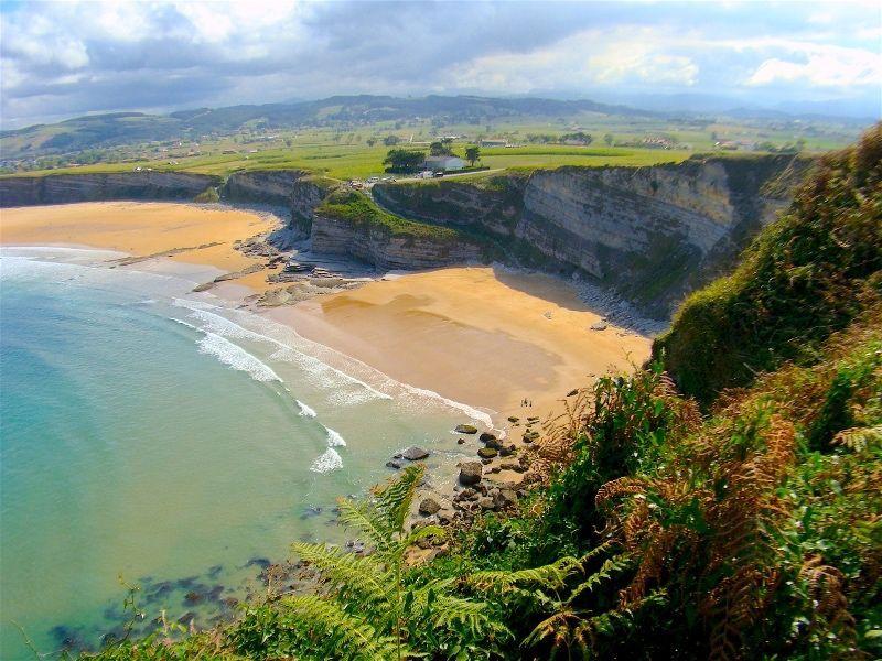 Descubre la belleza de la costa